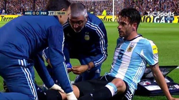 Gago, en el momento de ser atendido tras su lesión