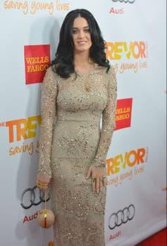 Katy Perry, en un evento en Hollywood ¿Aprueban su look?. Foto: AFP