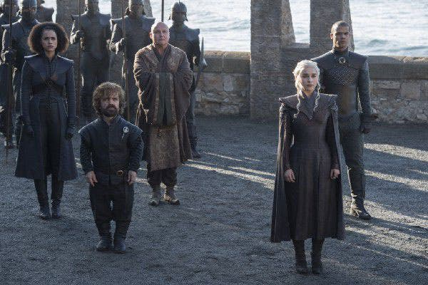 Daenerys, Tyrion Lannister, Varys y los ejércitos Targaryen llegan a tierra firme