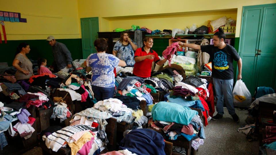 En la escuela 620 se reciben donaciones para los inundados. Foto: LA NACION / Mauro V. Rizzi /Enviado especial