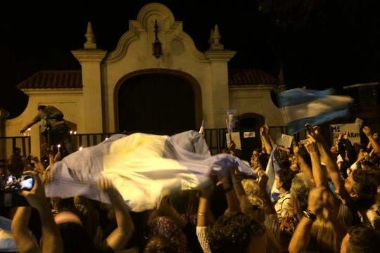 Manifestación en la Quinta de Olivos. Foto: LA NACION / Rodrigo Néspolo