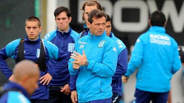Diego Cocca diagrama el equipo para el estreno ante San Lorenzo