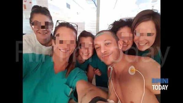 Valentino Rossi se recupera en el hospital de Rimini