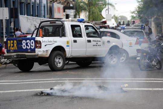 Polícias protestan en Concordia. Foto: LA NACION / Marcelo Manera