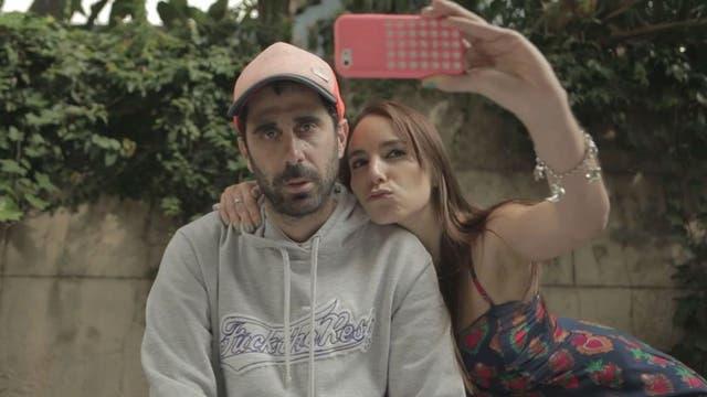Esteban Menis es el creador y protagonista de Un mundo horrendo, serie en la que se ven caras conocidas del mundo de la actuación