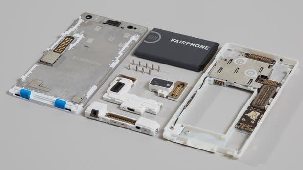 Las piezas de un Fairphone 2