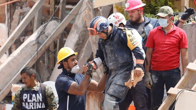 Terremoto en México: intentan lo imposible para rescatar a seis niños con vida bajo las ruinas