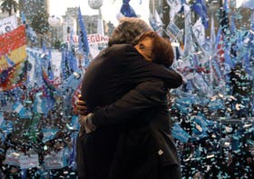 Néstor y Cristina Kirchner en 2008, en plena crisis del campo, un revés del que el kirchnerismo supo recuperarse