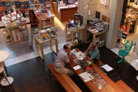 Dain Usina Cultural combina librería, restaurante, música y arte en Thames y Nicaragua