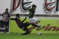 Patronato no pudo con Ferro y Atlético Tucumán redujo la diferencia
