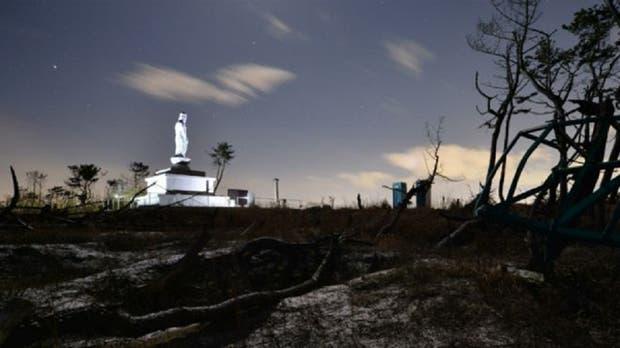 Estatua budista dedicada a las víctimas del tsunami.