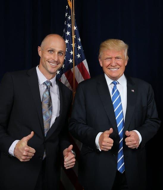 No es diplomático, admira a Trump y se postuló en la web