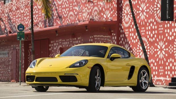 Motor central y mucha potencia para el Porsche 718 Cayman S