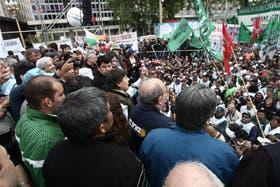 Gremios, organizaciones sociales, agrarias y de izquierda coincidieron ayer frente a la Casa Rosada