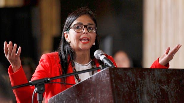 """""""Le daremos una lección histórica"""", dijo la presidenta de la Asamblea Constituyente, Delcy Rodríguez, al criticar la decisión del Congreso de no subordinarse al nuevo cuerpo"""
