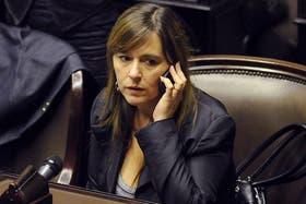"""Recién ascendida, Di Tullio dice que """"Scioli tendría que salir a aguantar los trapos"""" a Cristina"""