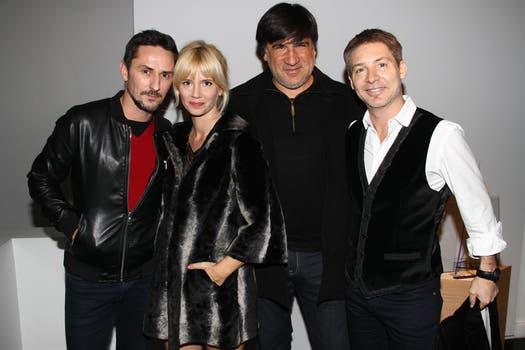 Carlos Casella, Griselda Siciliani, el director Daniel Barone y Adrián Suar. Foto: Gerardo Viercovich