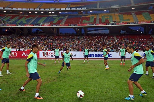 Los jugadores de Barcelona presionaron para cambiar el estadio