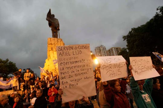 Gran cantidad de gente en Mar del Plata. Foto: LA NACION / Mauro V. Rizzi