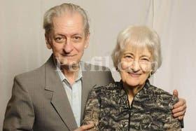 Lily Süllös y su hermano, hace una semana