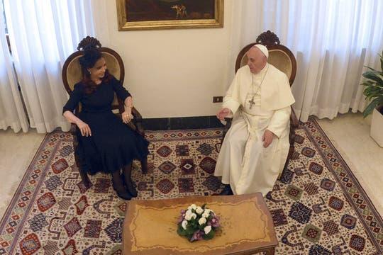 Tras el intercambio de regalos y las fotos, Cristina y Francisco estuvieron a solas. Foto: Presidencia