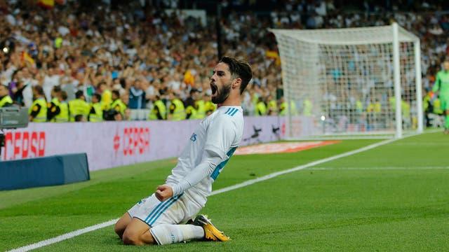 Isco celebra uno de sus dos goles a Espanyol