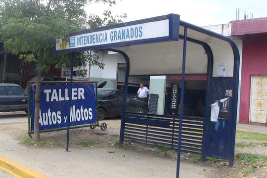 Granados, una marca registrada en la vía pública de Ezeiza. Foto: LA NACION / Natalia Pecoraro