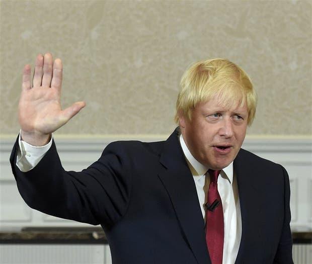 Boris Johnson, ayer, al despedirse de sus partidarios tras anunciar que se bajaba de la interna conservadora
