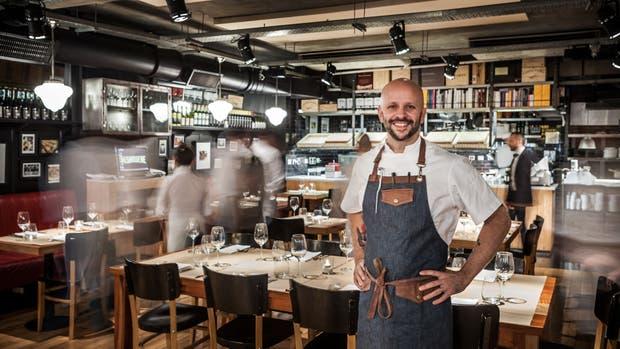 Mishiguene y su cocinero, Tomás Kalika