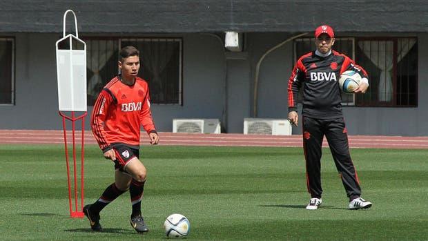 Gonzalo Montiel podría ser titular frente a Boca