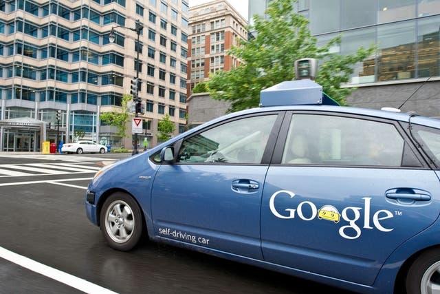 Uno de los autos con los que Google comenzó a experimentar con los vehículos autónomos