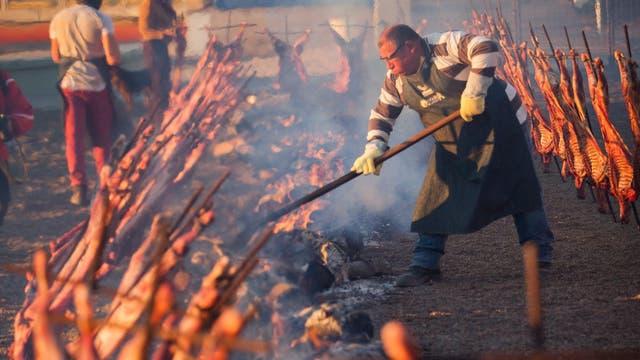 En el festival Madryn al Plato, se asaron 76 corderos