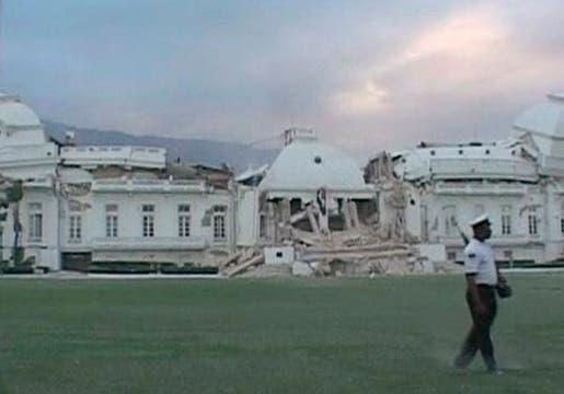 El palacio presidencial quedó totalmente destruido.. Foto: Reuters