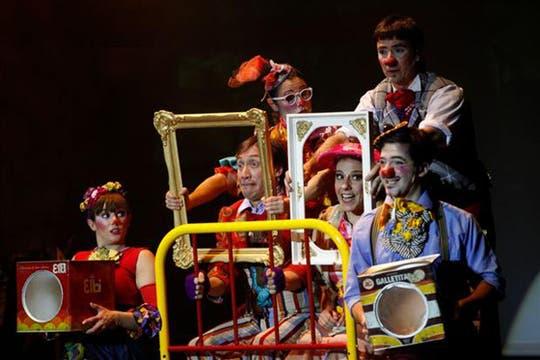 Doña Disparate y Bambuco, con Fabián Gianola y Julia Calvo. Una interesante propuesta para los más chicos en el teatro 25 de Mayo.. Foto: Archivo