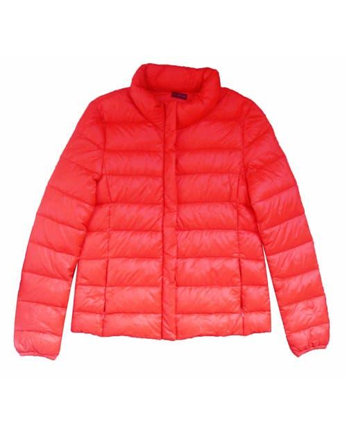 Campera de abrigo (Inversa, $ 699).