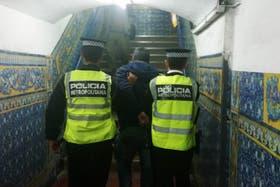 La Metropolitana se lleva al detenido