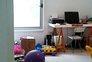 Caso 339: ¿cómo armarías un área de juego en este escritorio?