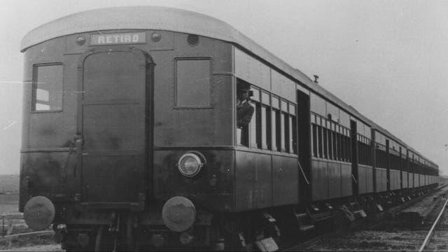 Tren histórico del Mitre, con carrocería de metal, funcionó en la línea Mitre (por entonces,