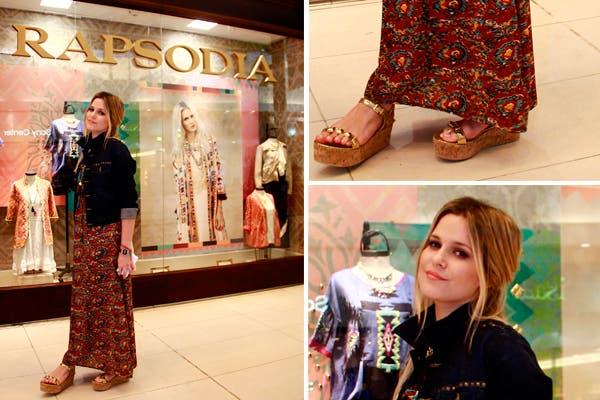 Jenny Williams eligió una pollera larga estampada y unas sandalias con tachas doradas. Foto: Mass PR