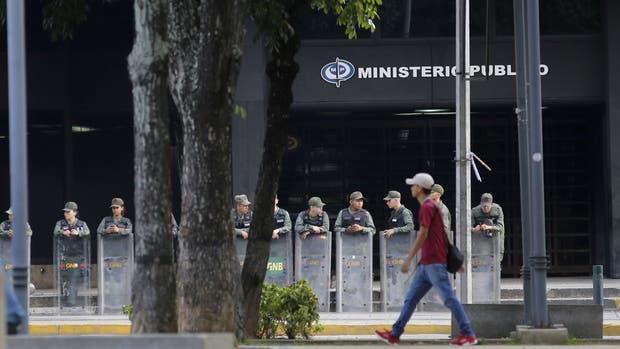 Los efectivos de la Guardia Nacional Bolivariana, al frente del Ministerio Público