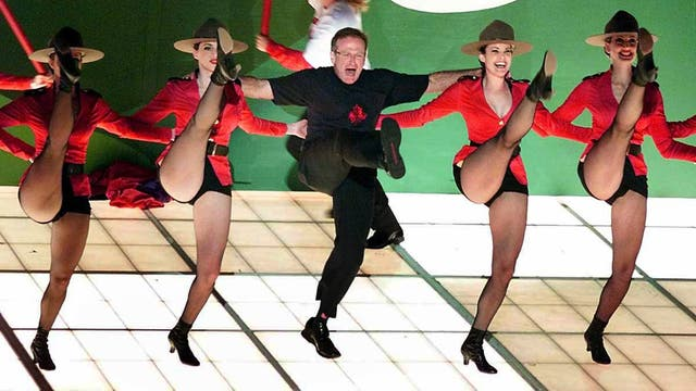 """Robin Williams interpreta el tema """"Blame Canada"""", en la 72 ceremonia de los Óscar, el 26 de marzo de 2000 en Los Angeles."""