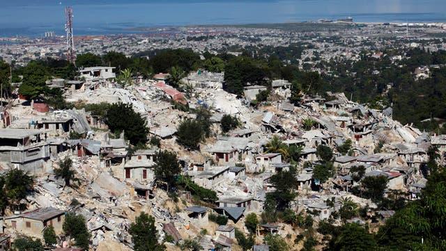 Donald Trump avanza contra los inmigrantes y quita la residencia a 60 mil haitianos