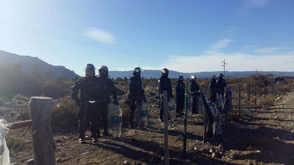 No hallan rastros de Maldonado en las tierras ocupadas por los mapuches. Foto: LA NACION / Ricardo Pristupluk / Enviado especial