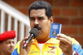 Nicolás Maduro, con la Constitución venezolana en la mano, accedió a una auditoría de los votos, pero bajo sus términos