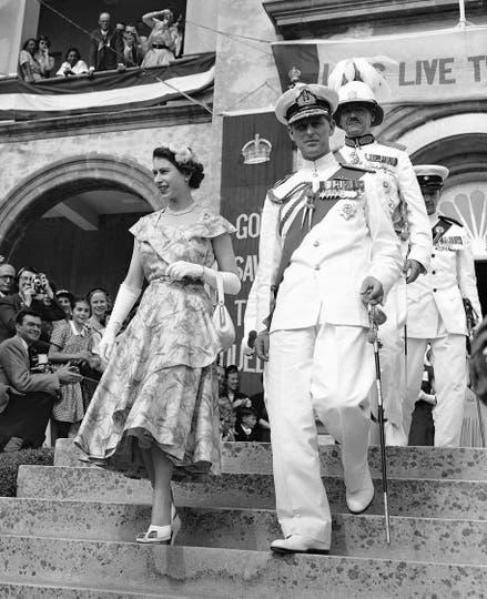 El 25 de noviembre de 1953 al salir del Parlamento Colonial de Las Bermudas. Foto: AP