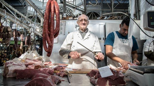 Las carnicerías y verdulerías tradicionales creen que los nuevos locales gastronómicos aportan mucho al mercado