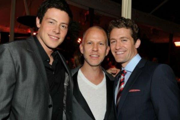Ryan Murphy junto a Cory Monteith y Matthew Morrison