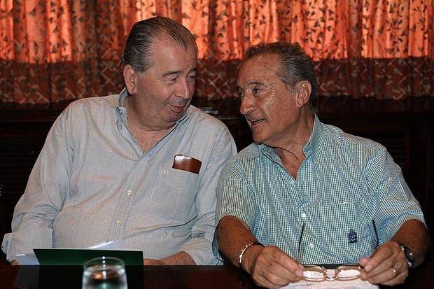 Grondona, con su colega uruguayo Eugenio Figueredo, el 30 de enero de 2002.  Foto:Archivo