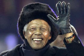 Mandela en su arribo a la final del Mundial de 2010, entre Holanda y España en el estadio Soccer City