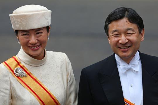 Dos mil invitados participaron de la ceremonia oficial; en la imagen, el príncipe Naruhito y la princesa Masako de Japón. Foto: AP